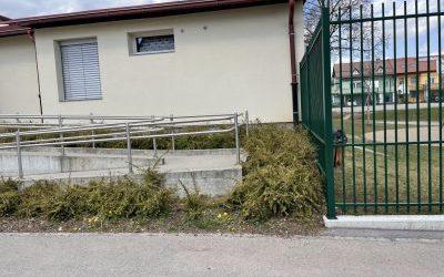 3. Slike obstoječe kovinske ograje